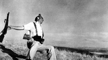 Robert Capa - Miliziano repubblicano colpito a morte (Cordova, 5 settembre 1936)